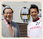 久留米あかつき幼稚園 理事長・園長の藤田喜一郎さん(左)と主任の藤田正喜さん(右)